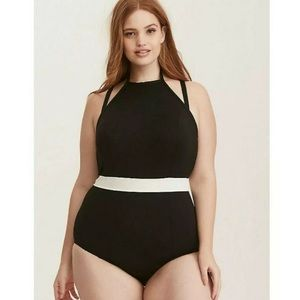 Torrid vixen collection black one piece NWT